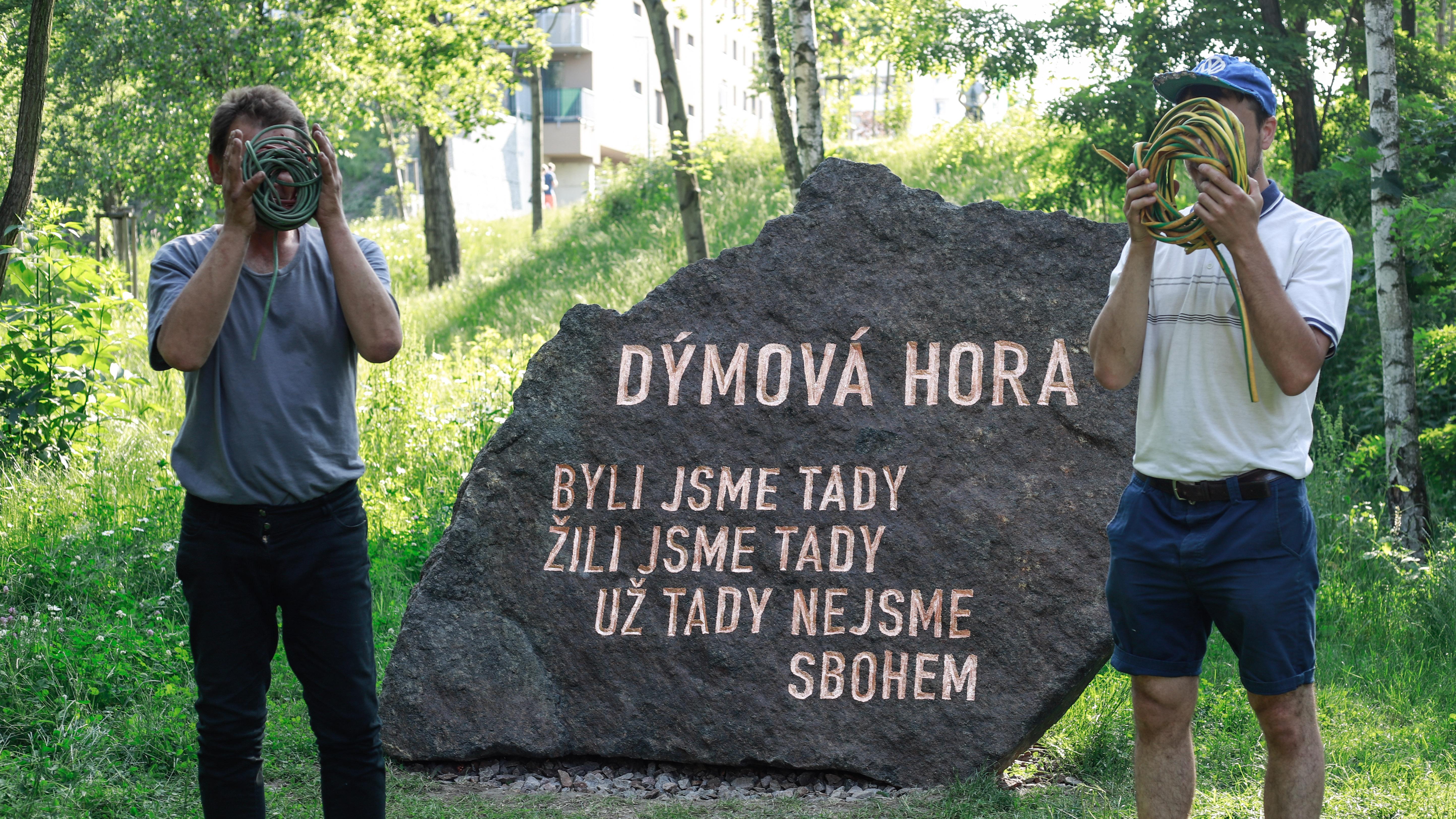 Monument slide 4